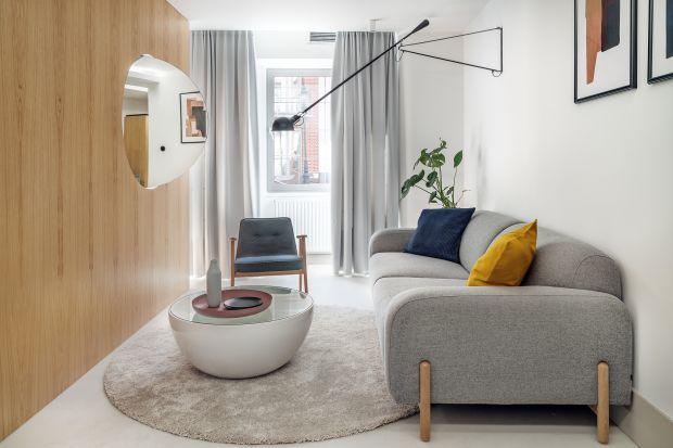 Salon w niedużym mieszkaniu musi być funkcjonalny i reprezentacyjny. Zobaczcie jak z małym pokojem dziennym radzą sobie projektanci wnętrz.
