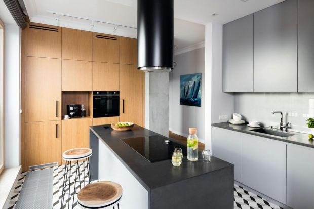 Jak wykończyć ścianę nad blatem w kuchni? Jaki materiał wybrać? Polecamy piękne i trwałeszkło, które doskonale sprawdzi się w kuchni.