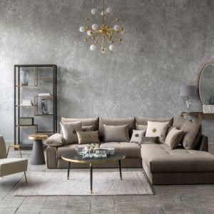 Wygodna sofa lub fotel to popularne towarzystwo stolika kawowego, na tle których może wzbudzać powszechny zachwyt lub z dumą pełnić rolę drugoplanowego bohatera. Fot. Miloo Home