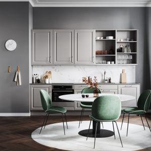 Szare fronty z klasycznymi ramiakami nadają kuchni stylowego wyglądu. Fot. Ballingslov