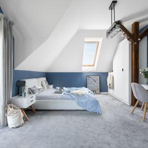 Sypialnia ma wszystko, czego oczekujemy od miejsca, w którym chcemy odpocząć. Projekt MM Architekci. Fot. Jeremiasz Nowak