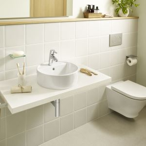 Seria Gap marki Roca została poszerzona o umywalki nablatowe w wielu funkcjonalnych opcjach. Fot. Roca