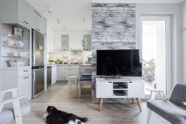 Jaką szafkę pod telewizor w salonie wybrać?Na nóżkachczy podwieszaną? Drewnianą czy białym kolorze. Zobaczcie kilka fajnych pomysłów na szafki RTV do każdego salonu.