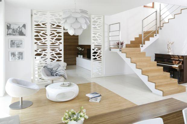 Jakie schody wybrać do domu? Świetną propozycją są schody drewniane.Zapewniają nie tylko bezproblemowe użytkowanie, ale i wyjątkowo elegancki wygląd dopasowany do każdego wnętrza.<br /><br />