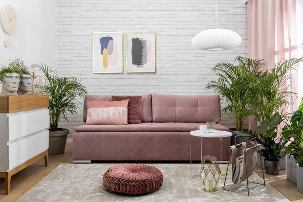 Jaką sofę wybrać do małego salonu? Polecamy nowoczesny model z funkcją spania i pojemnikiem na pościel. Jest super!