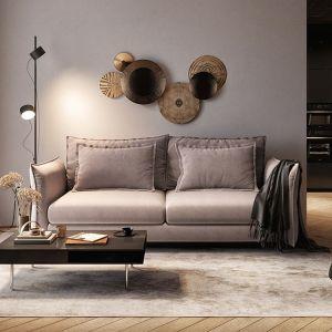Sofa do salonu z kolekcji Carmen dostępna w ofercie firmy Befame. Fot. Befame