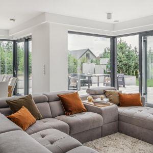 Okna narożne dostępne są w dwóch wariantach – ze słupkiem lub z szybami łączonymi na step. Fot. Vetrex