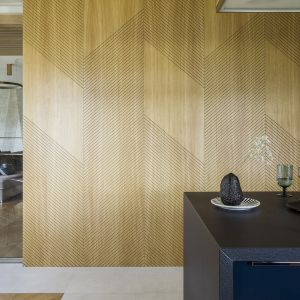 Na praktyczne rozwiązania architektka Magdalena Kostrzewa-Świątek postawiła także w kuchni, która dla klientów miała szczególne znaczenie. Projekt Tissu Architecture. Fot. Yassen Hristov