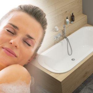 Aby czerpać jak najwięcej z kąpieli, temperatura wody nie powinna przekraczać 37 stopni i trwać nie dłużej niż pół godziny. Fot. Sanplast