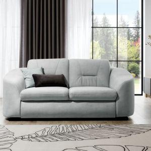 Sofa do salonu Vasto dostępna w ofercie firmy Stagra Meble. Cena: ok. 1.900 zł. Fot. Stagra Meble