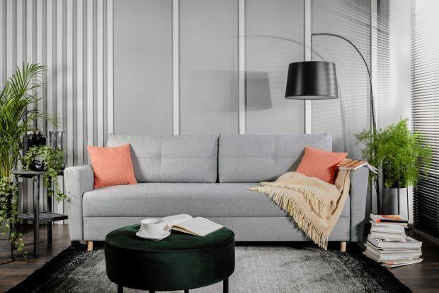 Jaką sofę wybrać do małego salonu? Polecamy modele w szarym kolorze. Zobaczcie szare sofy dostępne w polskich sklepach. Idealnie sprawdzą się w małym salonie.