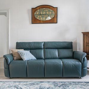 Skórzana sofa Oviedo w małym salonie. Fot. gala CollezioneNaro