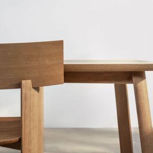 Krzesło i fotel Arco stworzone przez Marię Jeglińską-Adamczewską w projekcie Connected. Fot. mat. prasowe AHEC