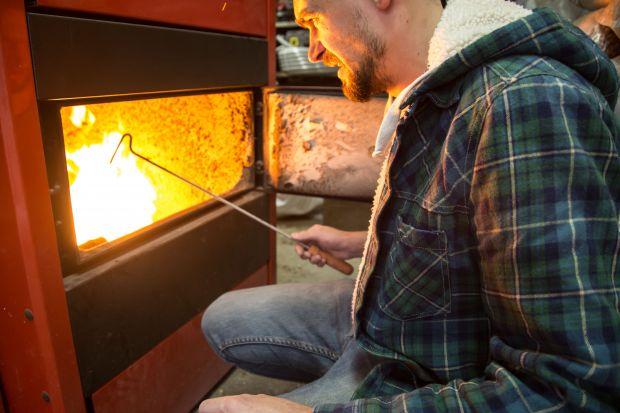 Jak ekologicznie palić w piecu? Czy znacie te trzy zasady?