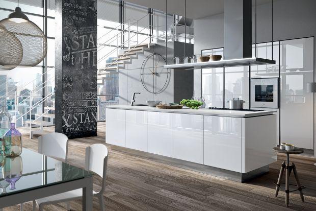Jakie meble wybrać do nowoczesnej kuchni? Białe czy szare? A może lepsze będę meble drewniane? Fronty w połysku czy w macie? Zobaczcie dziesięć świetnych kolekcji mebli do nowoczesnej kuchni.