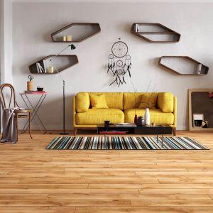 Neutralny kolor podłogi jest idealny dla wyrazistych   aranżacji. Fot. RuckZuck
