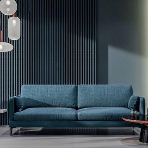 Sofa do salonu z kolekcji Anton dostępna w ofercie firmy Befame. Cena: od ok. 3.325 zł. Fot.  Befame