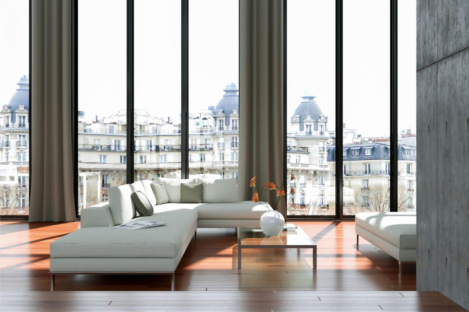 Rozmieszczenie okien w domu ma znaczenie, a ich wielkość nie tylko determinuje ilość naturalnego światła w pomieszczeniach, lecz także znacząco wpływa na temperaturę we wnętrzach. Fot. Saint-Gobain