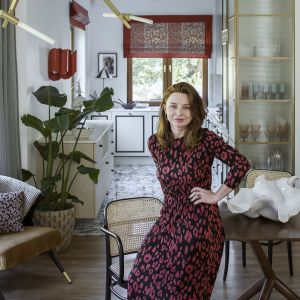 Kuchnia otwarta na salon. Tak mieszka Kamila Jakubowska-Szmyd, stylistka i dekoratorka wnętrz. Fot. mat. prasowe Cosentino