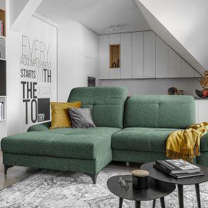 Mała sofa Carmen z wygodnym szezlongiem z oferty marki Wajnert. Fot. Wajnert
