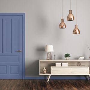 Przy urządzaniu wnętrz w duchu glamour warto zwrócić uwagę na dostęp do naturalnego światła w pomieszczeniu. Fot. Tikkurila