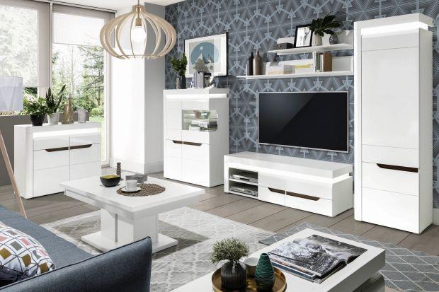 Białe meble do salonu: 10 świetnych, modnych kolekcji. Zobacz zdjęcia!