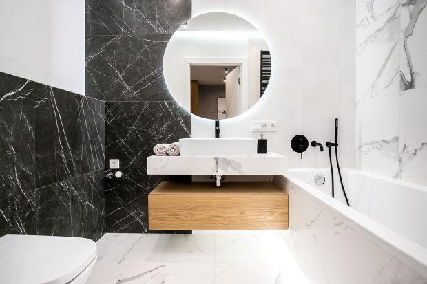 Wszyscy kochają piękne wnętrza – a aranżacje łazienkowe skradły już niejedno serce. Dla wszystkich będących na etapie poszukiwania inspiracji,mamy 5 pomysłów napiękne łazienki zaaranżowane przez architektów wnętrz.