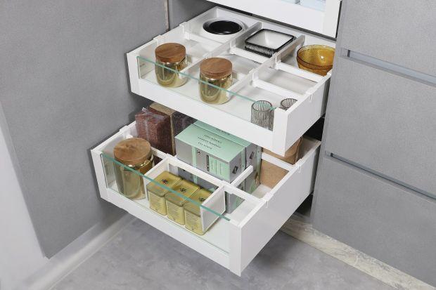 Jak utrzymać porządek w kuchennych szufladach?Pomogą w tymproste akcesoria meblowe. Sprawdźcie dostępne rozwiązania.<br /><br />