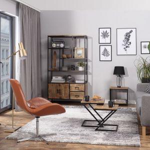 Jeżeli chcesz wprowadzić do salonu nieco lekkości, sięgnij po nowoczesne ławy i konsole. Ich lekka konstrukcja sprzyja małym wnętrzom. Fot. Dekoria
