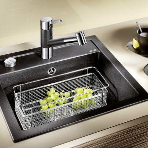 Pozwoli to na wykonanie szafek pasujących nawet do wąskiej kuchni, tak, by optymalnie wykorzystać jej przestrzeń.Fot. BLANCO Dalago Comitor.