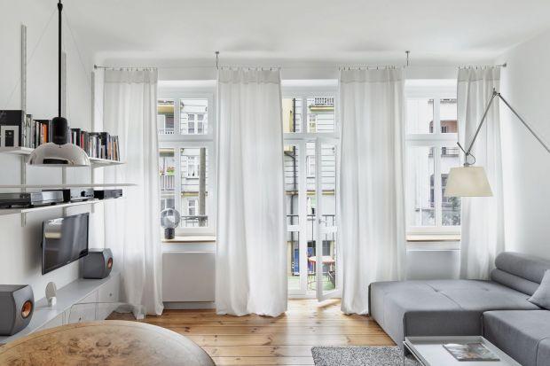 Ściany w salonie: tak urządzisz mały pokój. 20 super pomysłów!