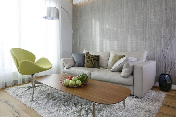 Jakie fotel wybrać do salonu? Szary, czarny, a może żółty? W tkaninie czy w skórze? Zobaczcie jakie fotel do salonu wybrali polscy architekcie i projektanci wnętrz.