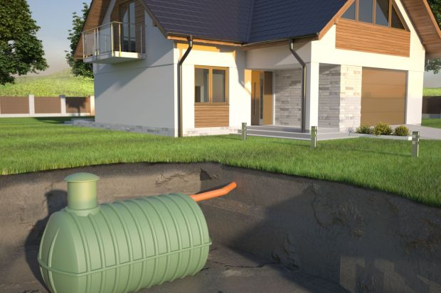 Jesień w ogrodzie: co trzeba wiedzieć o zbiorniku na deszczówkę?