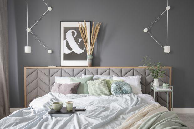 Czy szara sypialnia to twoja aranżacja marzeń? Jeśli tak, koniecznie zajrzyj do naszej galerii najpiękniejszych szarych wnętrz!