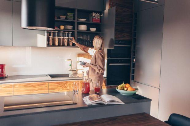 Ilona i Milena Krawczyńskie, czyli Siostry ADiHD to prezenterki 4FUN.TV, a także znane blogerki i instagramerki. Jak wygląda kuchnia jednej z nich? Zobaczcie ciekawy nowoczesny projekt!