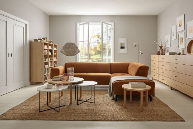 To wokół niej toczy się salonowe życie i skupiają rodzinne spotkania. Sofa nadaje ton wnętrzu - dużemu i małemu.