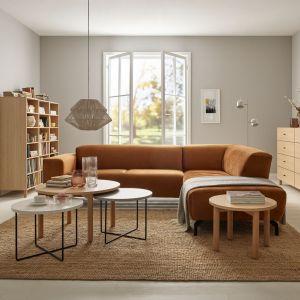 Sofa Favo od VOX w prostej wersji jest w stanie pomieścić nawet trzy osoby, a jej nowoczesna linia idealnie sprawdza się w minimalistycznych wnętrzach. Fot. VOX