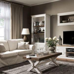 Klasyczne zestawy doskonale prezentuje się we wnętrzach w stylu modern classic. Na zdj. Provance meble Krysiak