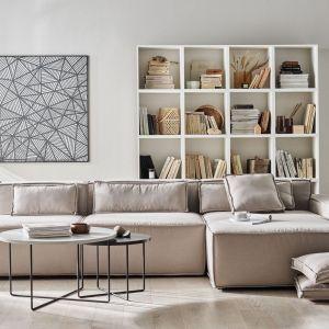 Sofa do salonu z kolekcji Chill dostępna w ofercie firmy Vox. Fot. Vox