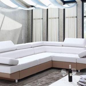 Narożnik ma biały kolor, dzięki czemu jest uniwersalny i ponadczasowy. Fot. Caya Design