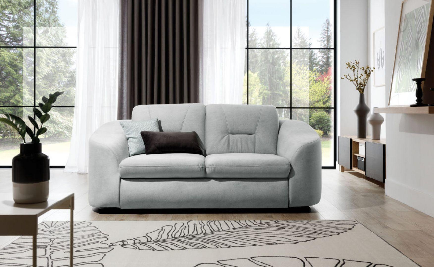 Sofa Vasto ma ładny, nowoczesny kształt i będzie świetnym wyborem do małego salonu. Fot. Stagra Meble