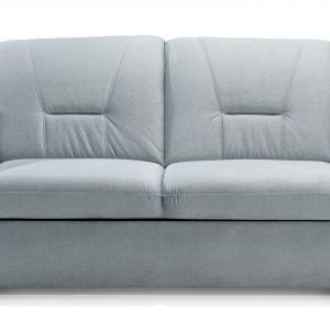Sofa została wyposażona w metalowe nóżki. Fot. Stagra Meble