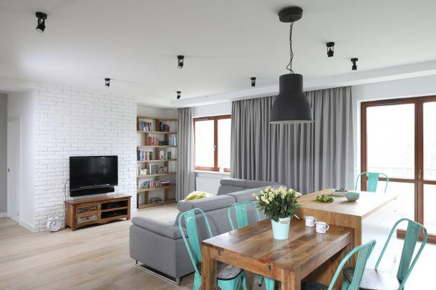 Piękne okna w salonie: nowoczesne zasłony. 10 dobrych aranżacji!