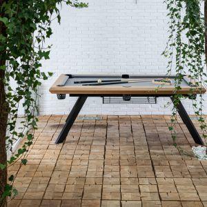 Od niedawna stół może nabyć również w wersji Esterno, przeznaczonej do użytku na zewnątrz. Fot. Kler