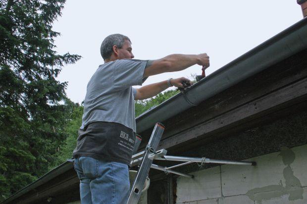 Sprawdź dach i rynny przed zimą. Co trzeba wiedzieć?