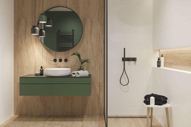 Płytki imitujące drewno to prawdziwy hit w łazience! Zebraliśmy 12 ciekawych pomysłów polskich producentów. Te łazienki są piękne! Zobaczcie najlepsze propozycje na łazienkę z płytkami drewnopodobnymi!