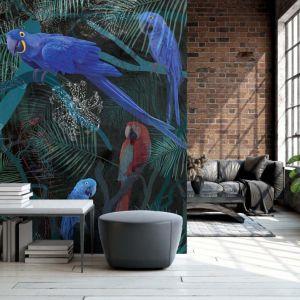 Pomysł na ścianę w salonie - tapeta artystyczna. Tapeta Night Parrots. Marka: Walltime