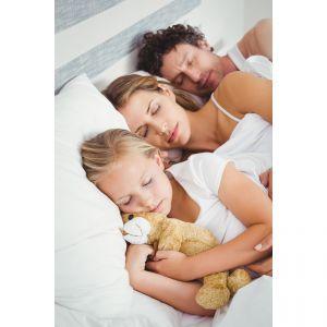 Śpimy lepiej, zdrowiej i nie przegrzewamy się, gdy w pomieszczeniu do spania jest około 18°C. Fot. Energo