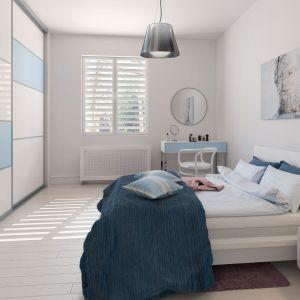 W każdej sypialni, a już zwłaszcza w tej z małym metrażem, sprawdzi się szafa w zabudowie wykonywana na zamówienie. Fot. Komandor