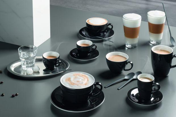 Jesteś wielbicielem kawy z mlekiem? Wolnostojący ekspres to idealny wybór. Wyjątkowo pyszna mleczna pianka zachwyca najbardziej wymagające podniebienia.